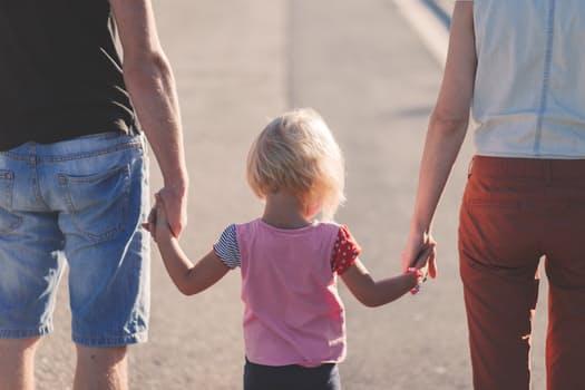 Augindami vaikus turime galimybę patys augti