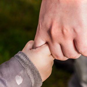 Pozityvi tėvystė – galimybė augti kartu su vaiku ir įveikti auklėjimo iššūkius