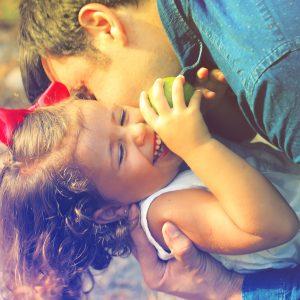 Žaidimai su vaikais: ką daryti, jei nėra laiko arba jums tai kelia nuobodulį