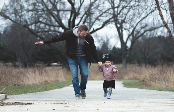 Pozityvios tėvystės mokymai tėvams, auginantiems ikimokyklinukus