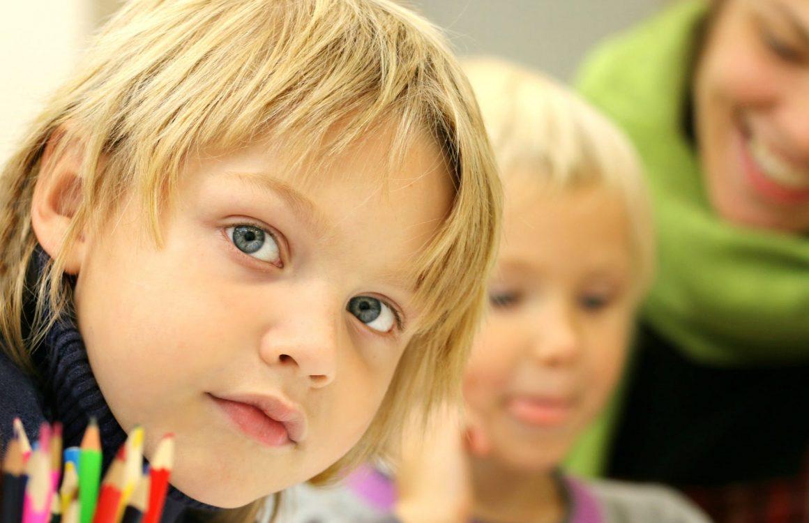 Pozityvios tėvystės įgūdžių mokymosi grupė tėvams auginantiems pradinukus