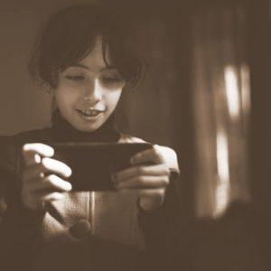 """""""Stiprus ryšys šeimoje – mažesnis pavojus tapti priklausomiems nuo skaitmeninių technologijų"""""""