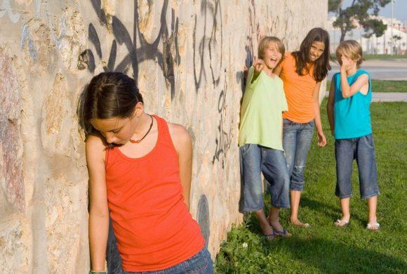 Apie internetines patyčias: net savo kambaryje vaikas nėra saugus